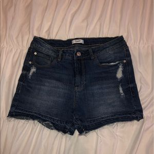 Kenzie denim shorts!